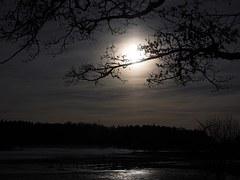moon-1024913__180